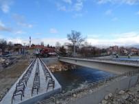 YAYA GEÇİDİ - Hisarcık'ta Yeni Köprünün Montajına Başlandı