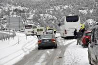 Konya-Antalya Yolunda Kar Nedeniyle Ulaşım Güçlükle Sağlanıyor