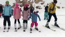 Öğrencilerin Sömestir Tatilinde Kayak Keyfi