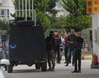 ÖZEL HAREKAT POLİSLERİ - Protokol Gelince İntihardan Vazgeçti
