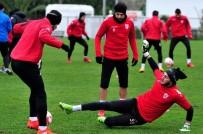 OLGUNLUK - Samsunspor'da 2 Futbolcu Döndü, 1 Futbolcu Gitti