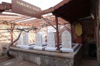 MEZAR TAŞLARı - Somuncu Baba'ya Osmanlıca Mezar Taşı