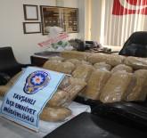 GAFFAR OKKAN - Şüpheli Araçta 200 Kilo Kaçak Tütün Bulundu