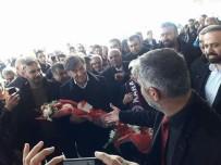 FEYYAZ UÇAR - Taraftarlardan Van Büyükşehir Belediyespor'a Coşkulu Karşılama
