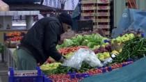 PAZARCI ESNAFI - Tokat'ta Pazarcılar Asker İçin Dua Etti