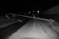 Zeytinburnu'nda Kaza Yapan Araç Dubaları Biçti