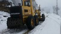 Akçaabat'ın Yüksek Kesimlerinde Karla Mücadele Çalışmaları Sürüyor