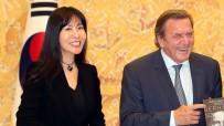GÜNEY KORELİ - Almanya Eski Başbakanı Schröder, Güney Koreli Sevgilisiyle Evleneceğini Duyurdu