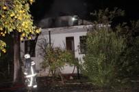 BELDIBI - Antalya'da Boş Binada Yangın 1 İtfaiyeci Yaralandı