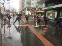 GÜLISTAN CADDESI - Batman Belediyesi Ekipleri Yağmuru Fırsata Çevirdi