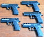 UMURLU - Gizli Bölümlere Sakladığı 5 Silahı Satamadan Yakalandı