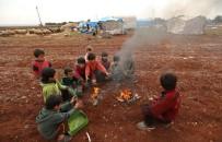 KUZEY SURİYE - Kuzeybatı Suriye'de On Binlerce İnsan Kış Soğuğunda Yaşam Mücadelesi Veriyor