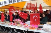 OTURMA ODASI - Mehmetçiğe Ev Hanımlarından Yemek