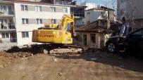 MADDE BAĞIMLISI - Pamukkale'de Metruk Binalar Yıkılıyor