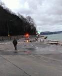 KALENDER - Tarabya'da sahil yolunda çökme