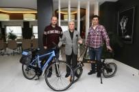 MAKINE MÜHENDISI - Türk Mühendisler Bisiklet Tasarımlarını Başkan Bozbey'e Tanıttı