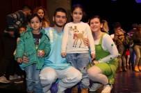 AYDıN KÜLTÜR MERKEZI - Efeler'de Tiyatro Şenliği 3 Bin Çocuğun Katılımıyla Gerçekleşti