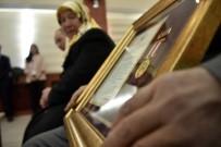 GÜMÜŞHANE ÜNIVERSITESI - Gümüşhane'de Devlet Övünç Madalyası Töreninde Gözyaşları Sel Oldu