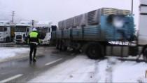 Konya-Antalya Karayolu Kar Ve Tipi Nedeniyle Trafiğe Kapatıldı