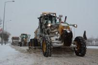 BÜYÜKŞEHİR YASASI - Konya'da Ekipler 31 İlçede 24 Saat Kar Mesaisinde