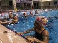 SAUNA - Körfezli Çocuklar Tatilin Keyfini Yüzere Çıkarıyor