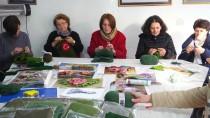 EMEKLİ ÖĞRETMEN - Kosovalı Kadınlardan Türk Askerine Zeytin Dalı Nakışlı Atkılar