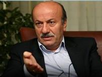 MEHMET BEKAROĞLU - Mehmet Bekaroğlu, Ümit Kocasakal'ı topa tuttu