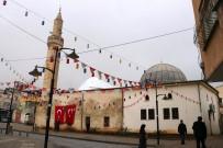 DIŞ MÜDAHALE - Saldırıya Uğrayan Camide Ezan Susmadı