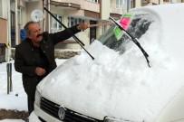 BUZ SARKITLARI - Sivas'ta 410 Köy Yolu Ulaşıma Kapandı