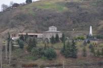 AHMET SARı - Trabzon'da Tarihi Cephanelik Binasının Yanına Yapılan İnşaata Tepki