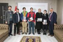HAYIRSEVER İŞ ADAMI - Yahyalı'daki Başarılı Öğrenciler Tabletle Ödüllendirildi