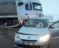 Otomobil İle Tır Çarpıştı Açıklaması 1 Ölü, 4 Yaralı