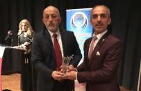 HIZMET İŞ SENDIKASı - Başkan Asya'ya 'Yılın En Başarılı Belediye Başkanı' Ödülü