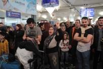 HAVAYOLU ŞİRKETİ - İranlı Yolculardan Atatürk Havalimanı'nda Protesto