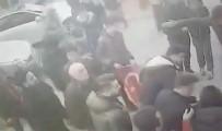 İstanbul'da Silahlı Saldırı Açıklaması Mehmetçik'e Destek İçin Yürüyorlardı