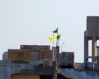 PYD - PYD'den sınıra provokatif flama asma girişimi