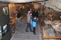 SAVAŞ MÜZESİ - Savaş Müzesine Yoğun İlgi