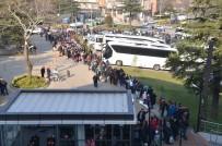 HAFTA SONU TATİLİ - Uludağ'a Çıkmak İçin 2 Bin Kişilik Kuyruk