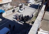 BAZ İSTASYONU - Adıyaman'da Baz İstasyonu Tepkisi