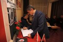EMEKLİ ÖĞRETMEN - Başkan Akın, Eski Futbolcunun Anma Törenine Katıldı