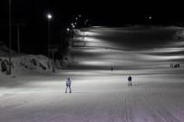 ERZİNCAN VALİSİ - Ergan Dağı Tüm Kayak Severler İçin Gecede Açık