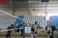 Erzincan'da Büyük Kızlar Voleybol Müsabakaları Başladı