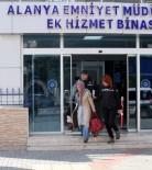 KADIN ÖĞRETMEN - FETÖ'den Aranan Kadın Öğretmen Alanya'ya Getirildi