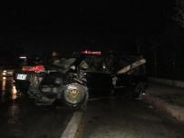 BAĞDAT - Kontrolünü Kaybeden Sürücü Karşı Şeride Geçti Açıklaması 1'İ Ağır 3 Yaralı