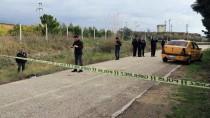 TAKSİ ŞOFÖRÜ - Adana'da Taksi Şoförü Bıçaklanarak Öldürüldü