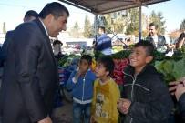 PAZAR ESNAFI - Başkan Atilla, Semt Pazarı Esnafının Sorunlarını Dinledi