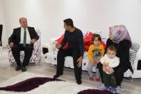 KARıNCALı - Başkan Özakcan'dan Pazarcının Yaraladığı Zabıtaya Ziyaret