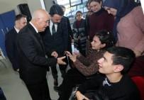 AKÜLÜ SANDALYE - Başkan Yaşar, 2018'İn İlk Mesaisini Engelli Çocuklarla Yaptı