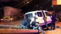 BETON MİKSERİ - Beton Mikseri İle Hafif Ticari Araç Çarpıştı Açıklaması 1 Yaralı
