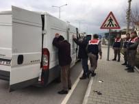 KÜÇÜKKUYU - Çanakkale'de 39 Kaçak Yakalandı
